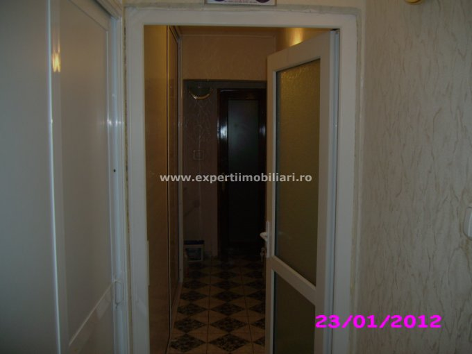 vanzare apartament decomandat, zona Faleza Nord, orasul Constanta, suprafata utila 68 mp