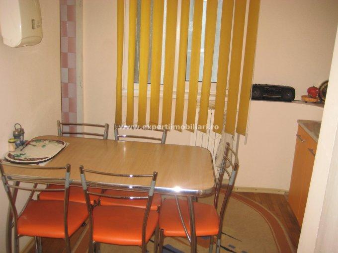 agentie imobiliara vand apartament decomandat, in zona Faleza Nord, orasul Constanta