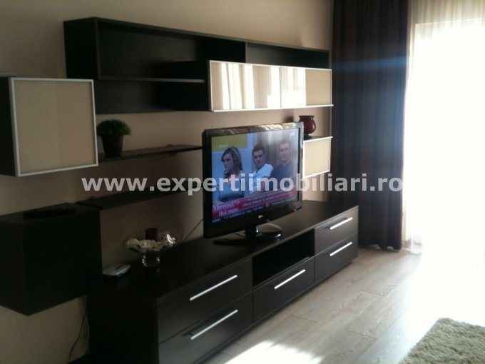 inchiriere apartament cu 3 camere, decomandat, in zona Dacia, orasul Constanta