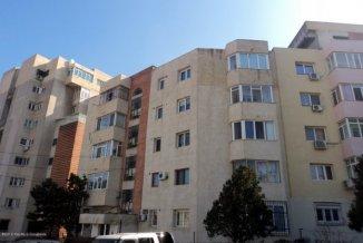vanzare apartament cu 3 camere, decomandat, in zona Capitol, orasul Constanta