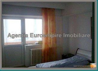 Apartament cu 3 camere de vanzare, confort Redus, zona Balada,  Constanta