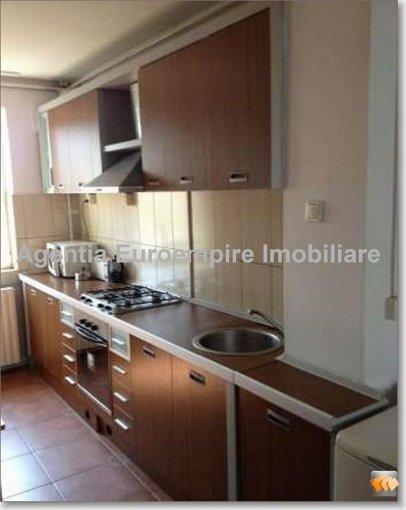 inchiriere apartament cu 3 camere, decomandat, in zona Cazino, orasul Constanta