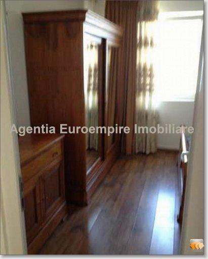inchiriere apartament decomandat, zona Cazino, orasul Constanta, suprafata utila 80 mp