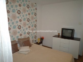 vanzare apartament cu 4 camere, semidecomandat-circular, in zona City Park Mall, orasul Constanta