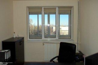 Constanta, zona Far, apartament cu 4 camere de vanzare