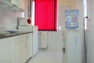 vanzare apartament cu 4 camere, semidecomandat-circular, in zona Far, orasul Constanta
