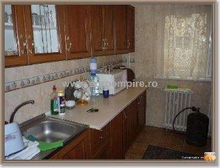 Apartament cu 4 camere de vanzare, confort 1, zona Inel 1,  Constanta