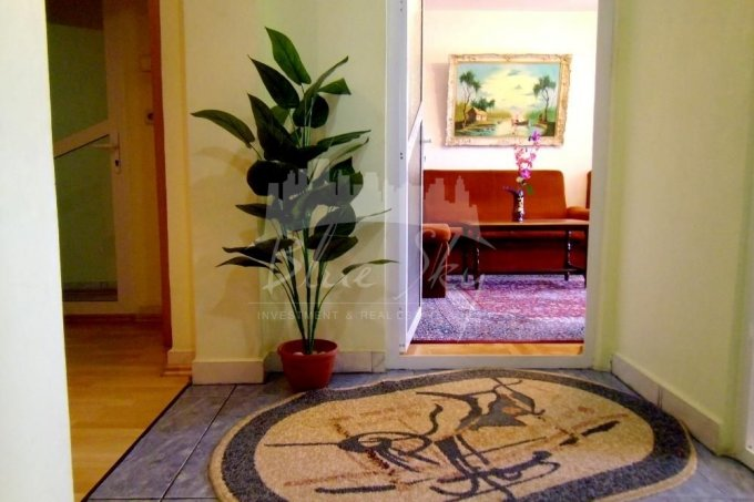 vanzare Apartament Constanta cu 4 camere, cu 1 grup sanitar, suprafata utila 80 mp. Pret: 80.500 euro negociabil.
