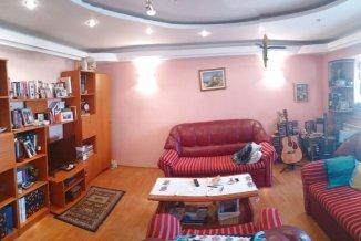 vanzare apartament cu 4 camere, decomandat, in zona Delfinariu, orasul Constanta