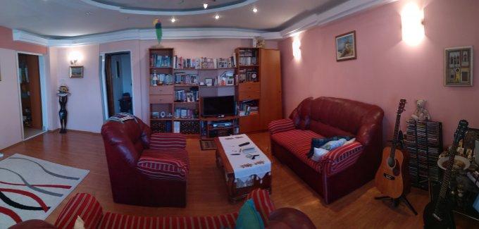 Apartament vanzare Delfinariu cu 4 camere, etajul 4 / 5, 2 grupuri sanitare, cu suprafata de 76 mp. Constanta, zona Delfinariu.