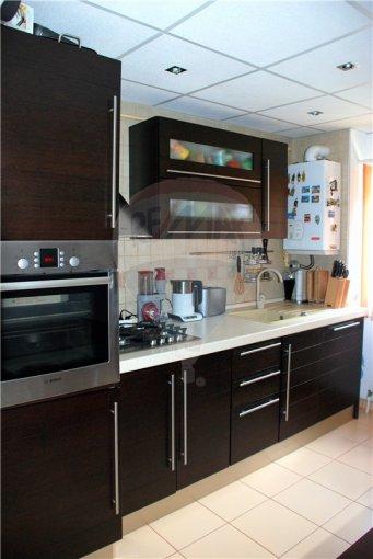 vanzare apartament cu 4 camere, decomandata, in zona Inel 2, orasul Constanta
