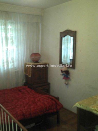 Apartament cu 4 camere de vanzare, confort 2, zona Intim,  Constanta