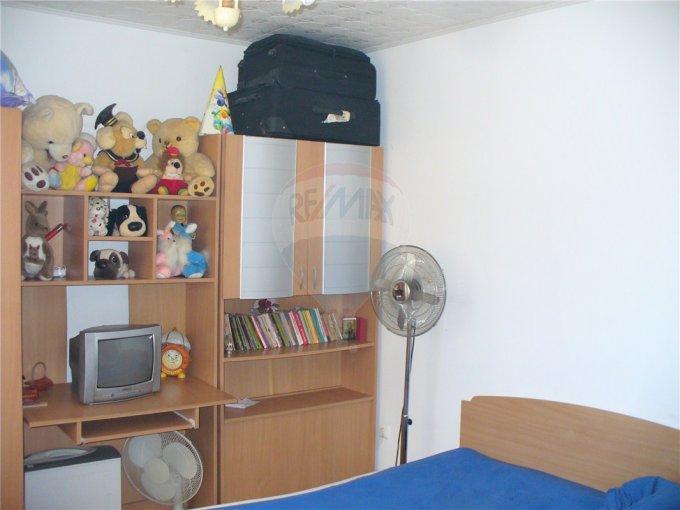 agentie imobiliara vand apartament semidecomandat, comuna Agigea