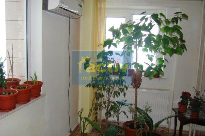 vanzare apartament cu 4 camere, decomandat, in zona Faleza Nord, orasul Constanta