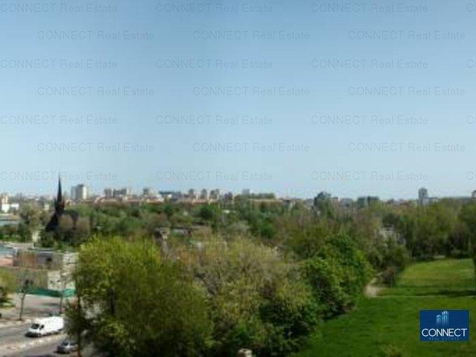 Apartament cu 4 camere de vanzare, confort Lux, zona Stadion,  Constanta