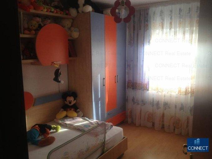 vanzare apartament cu 4 camere, decomandat, in zona Tomis 3, orasul Constanta