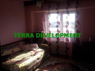 vanzare apartament cu 4 camere, decomandat, in zona Victoria, orasul Constanta