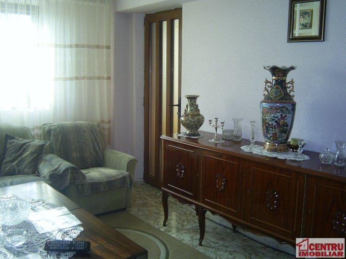 Apartament cu 4 camere de vanzare, confort Lux, zona ICIL,  Constanta