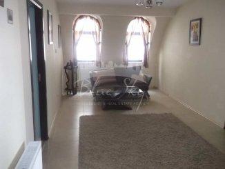 inchiriere apartament cu 4 camere, decomandat, in zona Trocadero, orasul Constanta