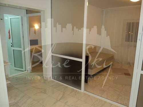 Apartament de inchiriat direct de la agentie imobiliara, in Constanta, in zona Inel 1, cu 500 euro. 2 grupuri sanitare, suprafata utila 120 mp.