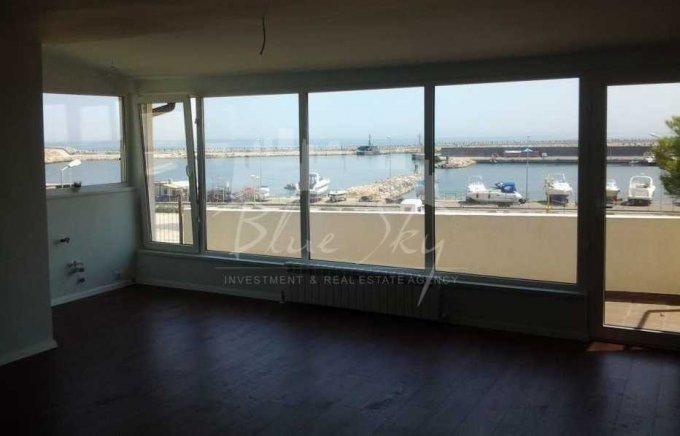 Apartament vanzare Constanta 4 camere, suprafata utila 140 mp, 2 grupuri sanitare. 149.000 euro. La Parter. Apartament Piata Ovidiu Constanta