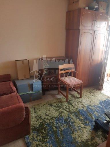 Apartament de vanzare direct de la agentie imobiliara, in Constanta, in zona Inel 2, cu 70.000 euro negociabil. 2 grupuri sanitare, suprafata utila 90 mp.
