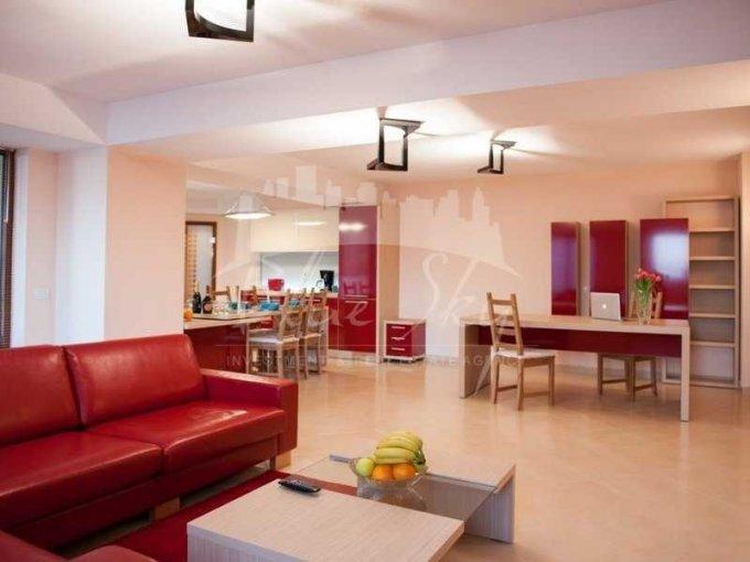 Apartament inchiriere Constanta 4 camere, suprafata utila 250 mp, 2 grupuri sanitare. 1.500 euro negociabil. Etajul 3. Apartament Statiunea Mamaia Constanta