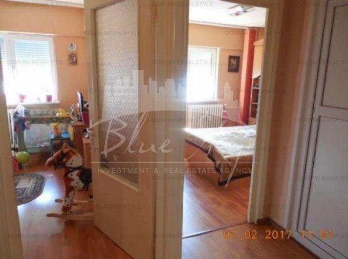 Apartament de vanzare direct de la agentie imobiliara, in Constanta, in zona Tomis 3, cu 80.500 euro. 2 grupuri sanitare, suprafata utila 80 mp.