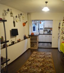 vanzare apartament cu 4 camere, semidecomandat, in zona Faleza Nord, orasul Constanta