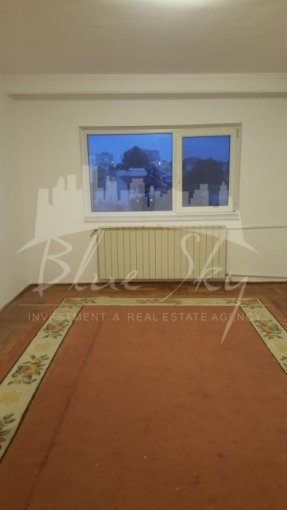 Apartament de vanzare in Constanta cu 4 camere, cu 2 grupuri sanitare, suprafata utila 90 mp. Pret: 95.000 euro negociabil.