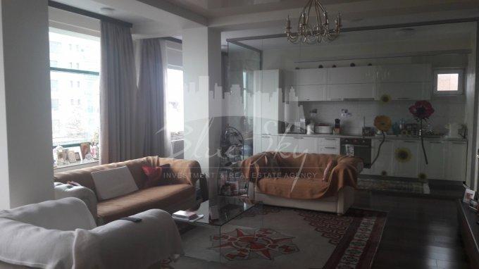 Apartament inchiriere Constanta 4 camere, suprafata utila 145 mp, 2 grupuri sanitare. 1.500 euro negociabil. Etajul 3. Apartament Centru Constanta