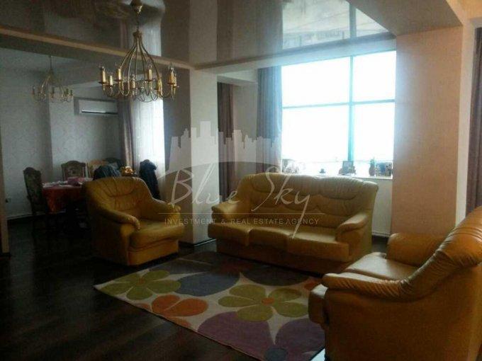 Apartament de inchiriat in Constanta cu 4 camere, cu 2 grupuri sanitare, suprafata utila 145 mp. Pret: 800 euro.