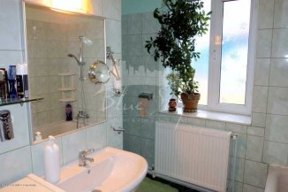 Apartament cu 4 camere de vanzare, confort Lux, zona Capitol,  Constanta