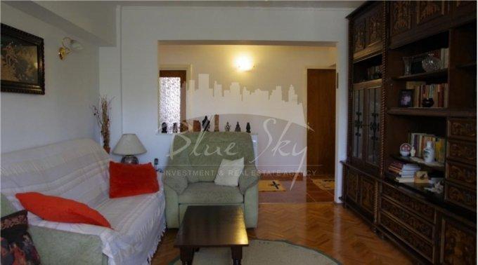 Apartament vanzare Tomis Nord cu 4 camere, etajul 3, 2 grupuri sanitare, cu suprafata de 100 mp. Constanta, zona Tomis Nord.