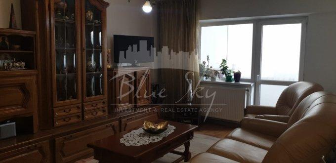 Apartament de vanzare in Constanta cu 4 camere, cu 2 grupuri sanitare, suprafata utila 95 mp. Pret: 100.000 euro.