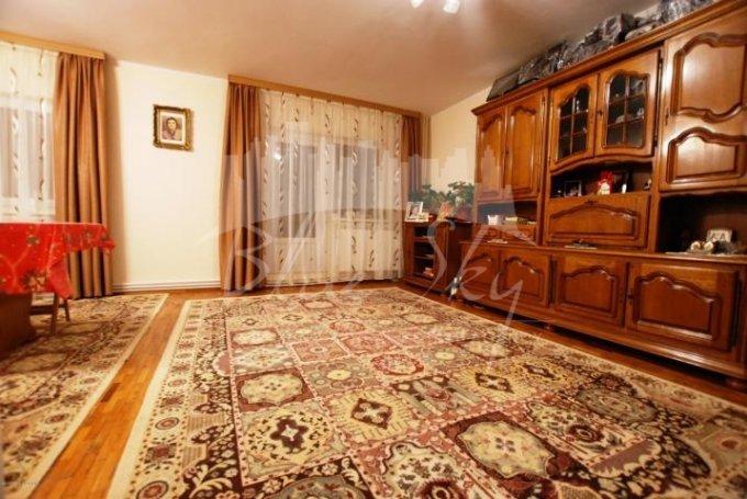 Apartament de vanzare in Constanta cu 4 camere, cu 2 grupuri sanitare, suprafata utila 101 mp. Pret: 100.000 euro negociabil.