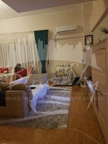 Apartament vanzare cu 4 camere, etajul 4, 2 grupuri sanitare, cu suprafata de 160 mp. Constanta.