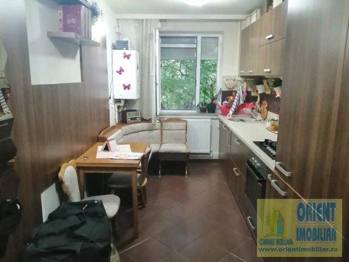 Apartament vanzare Constanta 4 camere, suprafata utila 78 mp, 2 grupuri sanitare. 99.900 euro. Etajul 3 / 4. Destinatie: Rezidenta, Vacanta. Apartament Tomis Nord Constanta