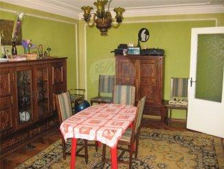 vanzare apartament cu 4 camere, decomandat, in zona Casa de Cultura, orasul Constanta