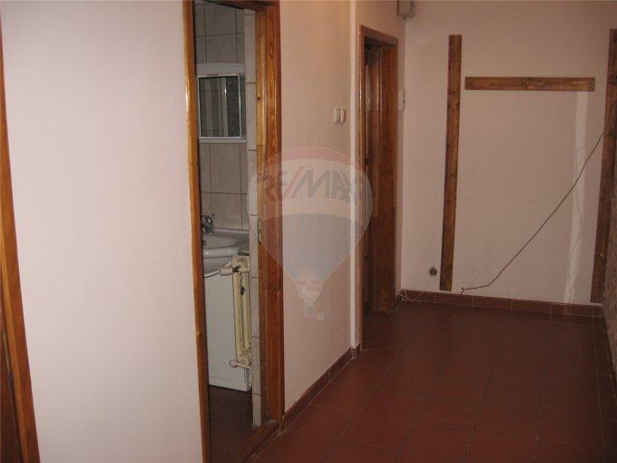 Constanta, zona Capitol, apartament cu 4 camere de inchiriat