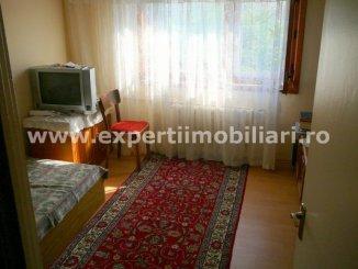 vanzare apartament cu 4 camere, decomandat, in zona Inel 2, orasul Constanta