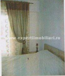vanzare apartament cu 4 camere, decomandat, in zona Capitol, orasul Constanta