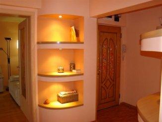 inchiriere apartament cu 4 camere, decomandat, in zona Campus, orasul Constanta