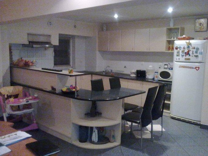 vanzare apartament cu 4 camere, decomandat, in zona Gara, orasul Constanta