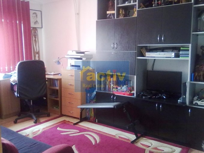 vanzare apartament decomandat, zona Gara, orasul Constanta, suprafata utila 90 mp