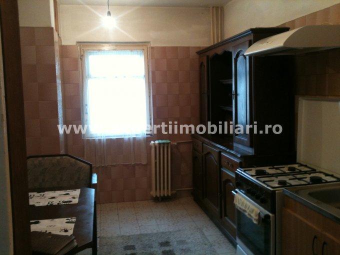 inchiriere apartament cu 4 camere, decomandat, in zona Dacia, orasul Constanta