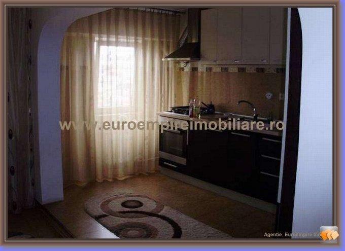 Apartament inchiriere Trocadero cu 4 camere, etajul 2 / 4, 2 grupuri sanitare, cu suprafata de 90 mp. Constanta, zona Trocadero.