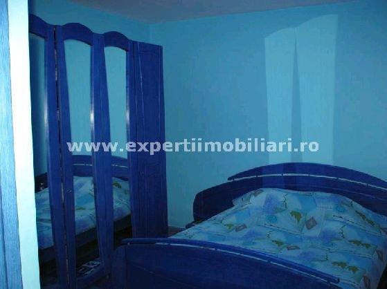 Apartament cu 4 camere de vanzare, confort Redus, zona Tomis Nord,  Constanta