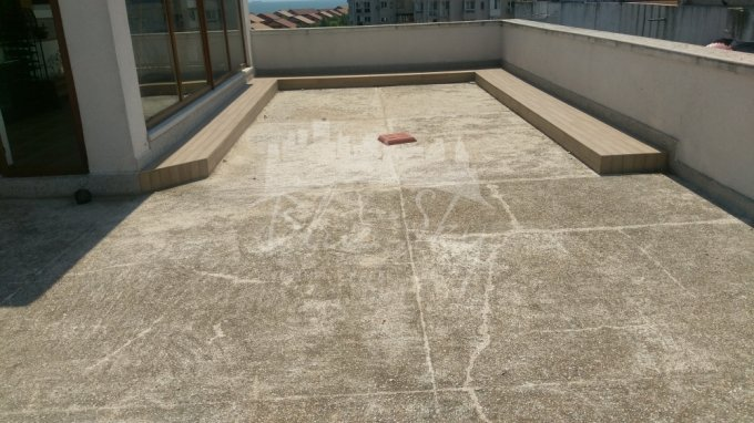 Apartament de vanzare in Constanta cu 5 camere, cu 2 grupuri sanitare, suprafata utila 300 mp. Pret: 298.000 euro negociabil.