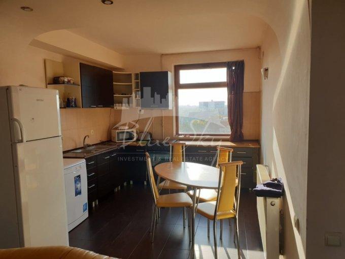 Apartament inchiriere Constanta 5 camere, suprafata utila 200 mp, 2 grupuri sanitare. 1.000 euro. Etajul 2. Apartament Faleza Nord Constanta
